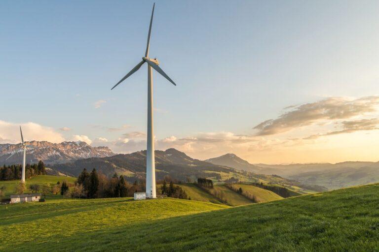 Énergie éolienne : ses avantages et ses insuffisances/inconvénients