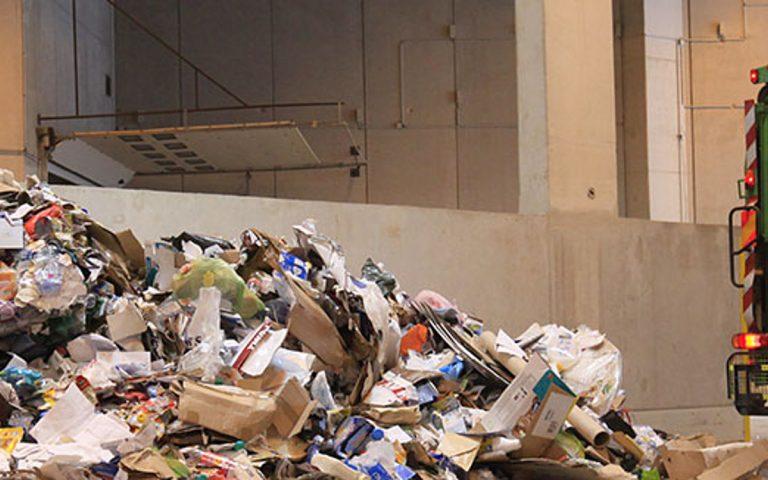 Réparation d'élimination des déchets de bricolage