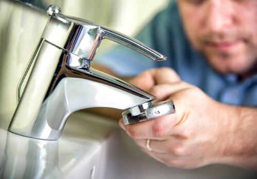 Comment trouver une fuite d'eau rapidement ?