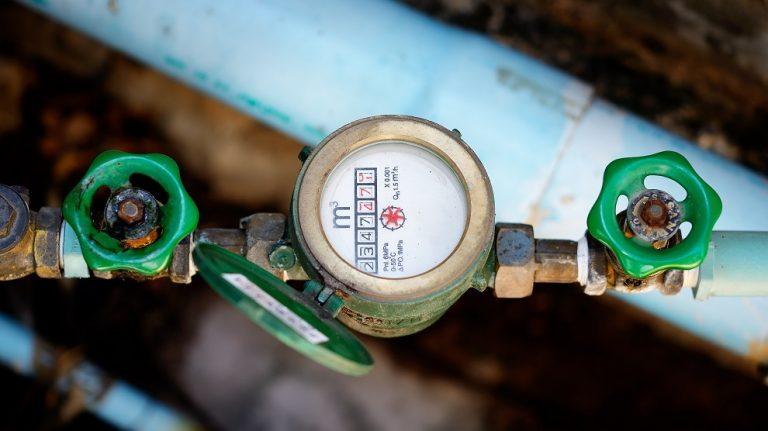 Qui doit changer le robinet avant compteur ?