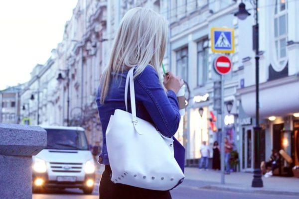 Comment bien choisir la couleur de son sac à main ?